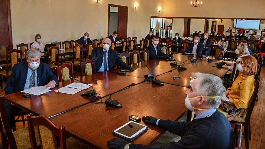 Rada Powiatu w trybie pilnym pokryła ujemny wynik finansowy szpitala św. Anny w Miechowie