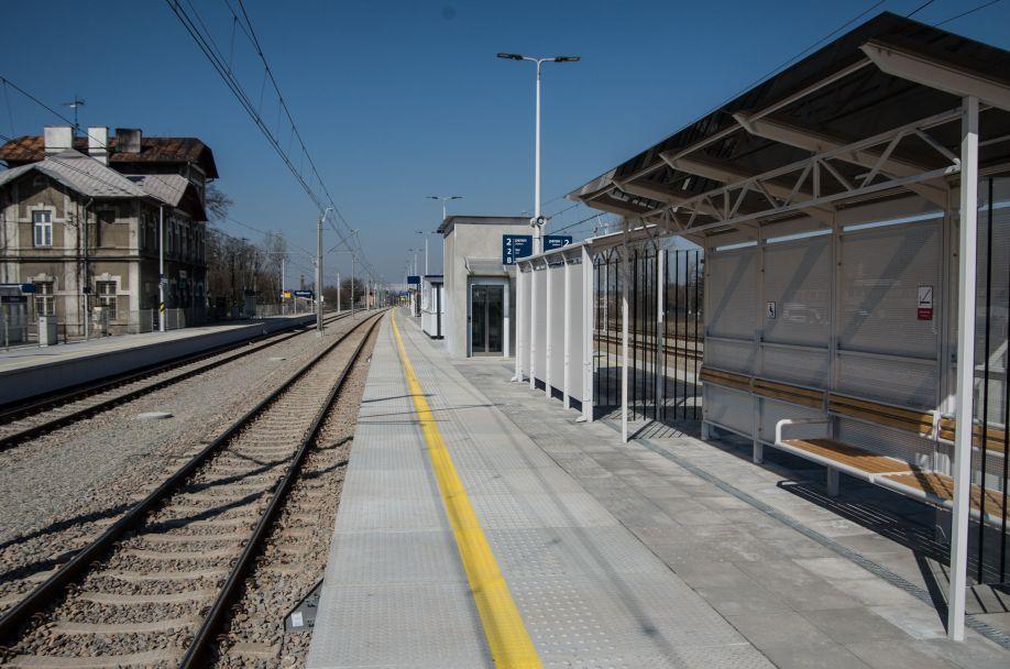 Stacja kolejowa w Wolbromiu po remoncie