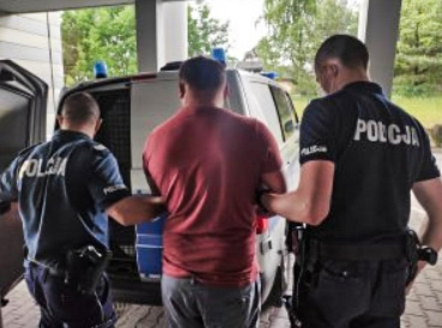 Olkuscy policjanci zatrzymali mężczyznę, który dotkliwie pobił 44-latka