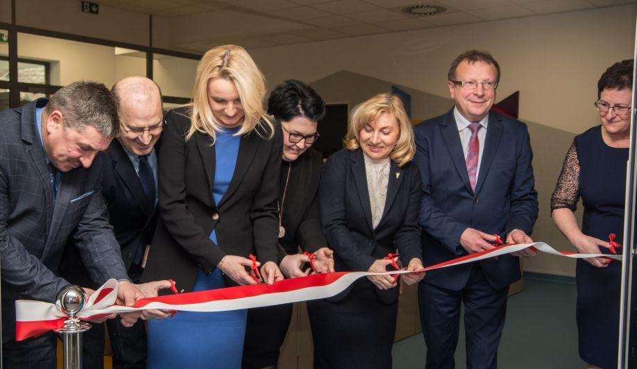 Oficjalne oddanie do użytku i poświęcenie przedszkola oraz żłobka w Trzyciążu
