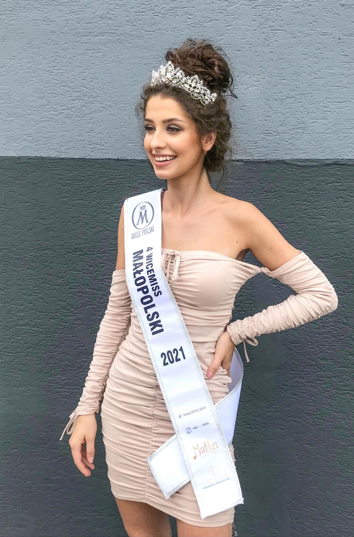 Wiktoria Walczak z Wolbromia i Milena Ożogowska ze Swojczan w pierwszej dziesiątce konkursu Miss Małopolski 2021