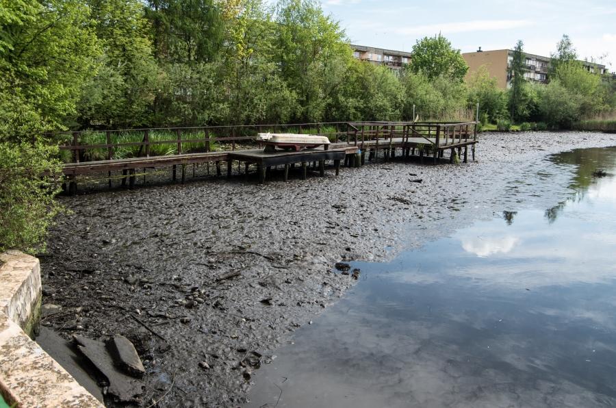"""Awaria przepustu na zalewie """"Nerka"""" w Wolbromiu"""